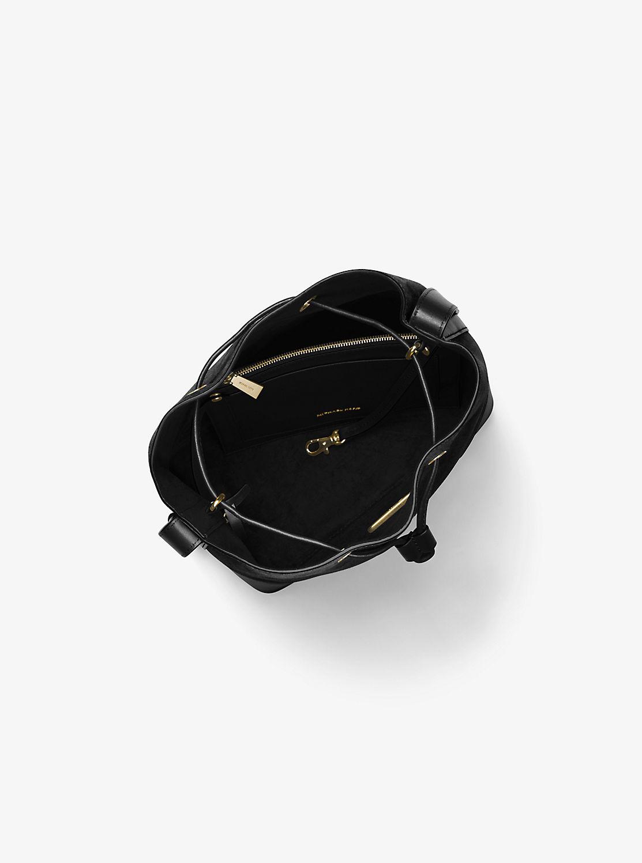 CARY ミディアム バケットバッグ