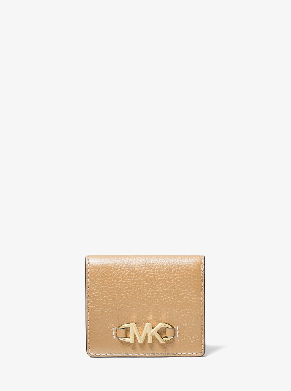彼女へのクリスマスプレゼントにおすすめなレディースブランドのお財布はMICHAEL KORSのビルフォールドです