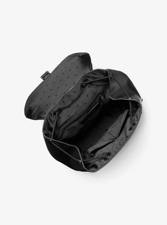 GREYSON ロゴ フラップ フィールドバックパック