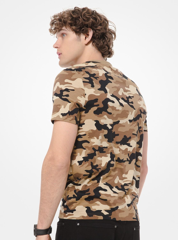 カモ プリント Tシャツ